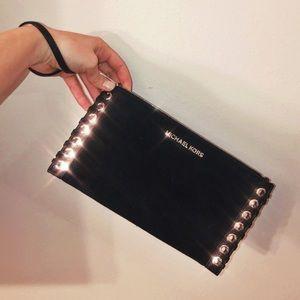 ✨ Michael Kors Black Leather Laced Wristlet ✨